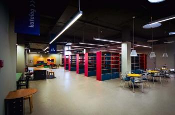 Interiér knihovny na míru