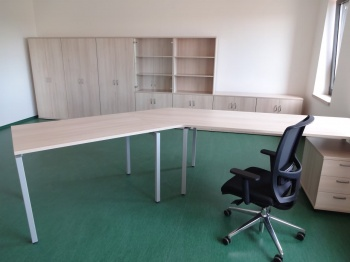 Kancelářský nábytek na míru