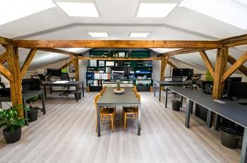 Interiér kanceláře a montážní dílny na míru