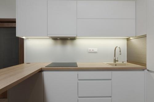 světlá kuchyně na míru