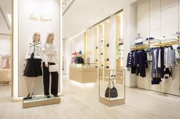 Interiér luxusní prodejny na zakázku