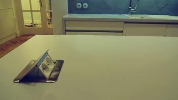 Zásuvky v kuchyňské lince na míru